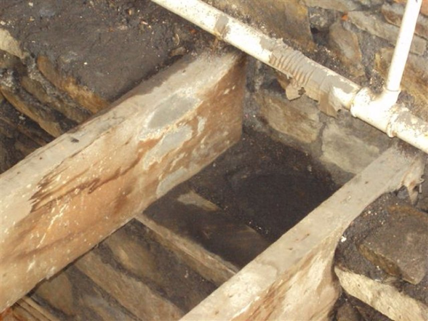 How To Treat Wet Rot